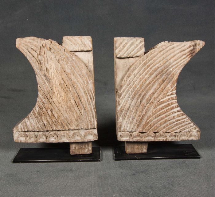 http://batavia.es/19050-thickbox_default/escultura-pata-de-cama.jpg