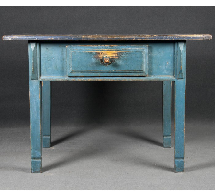 http://batavia.es/2269-thickbox_default/mesa-de-cocina-de-madera.jpg