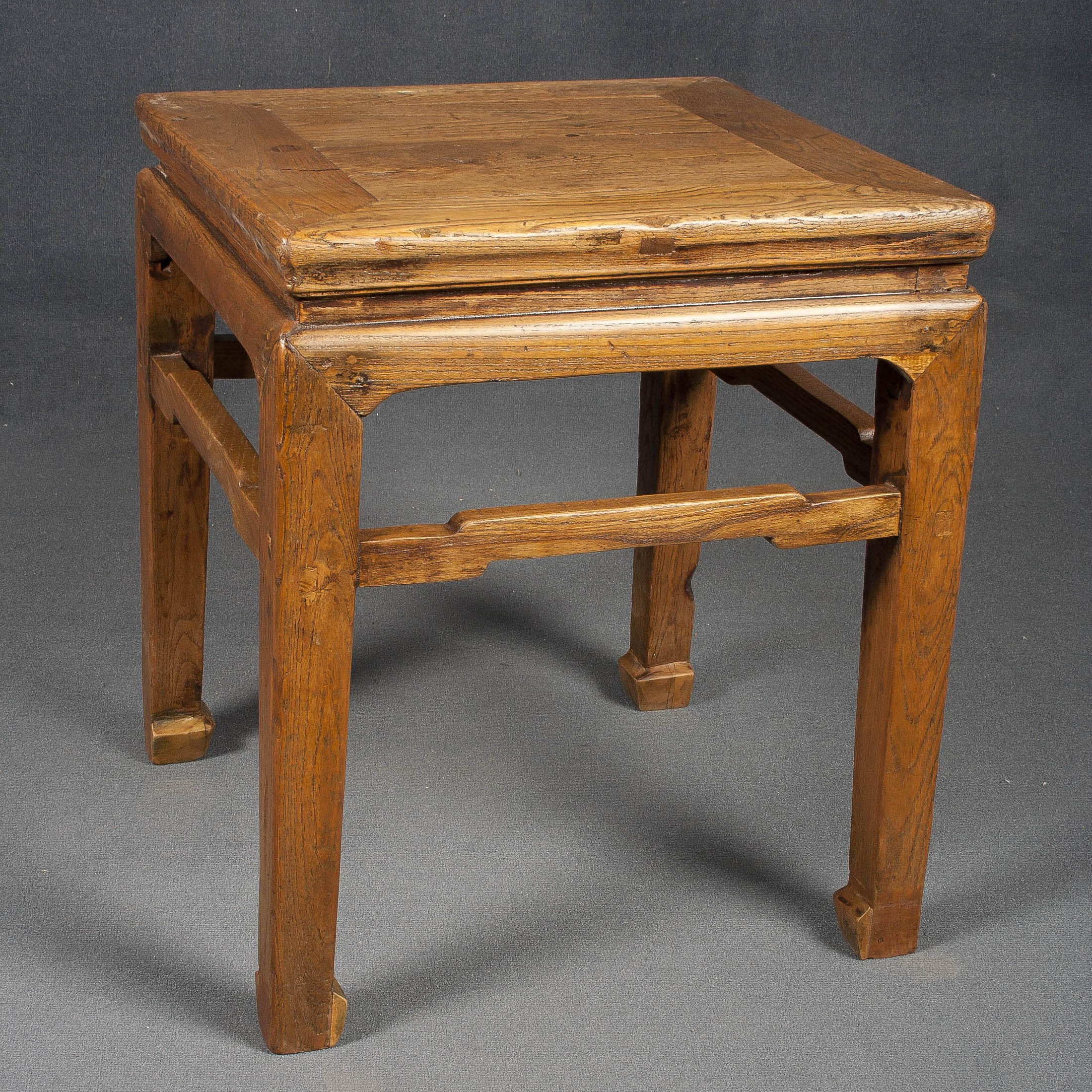 Taburete y taburete de madera batavia - Taburete de madera ...