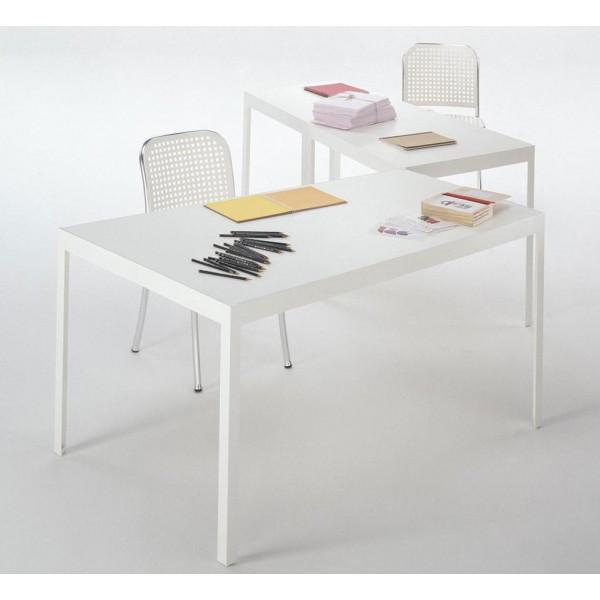 Mesa de trabajo y mesa campo d 39 oro batavia - Mesa de trabajo metalica ...