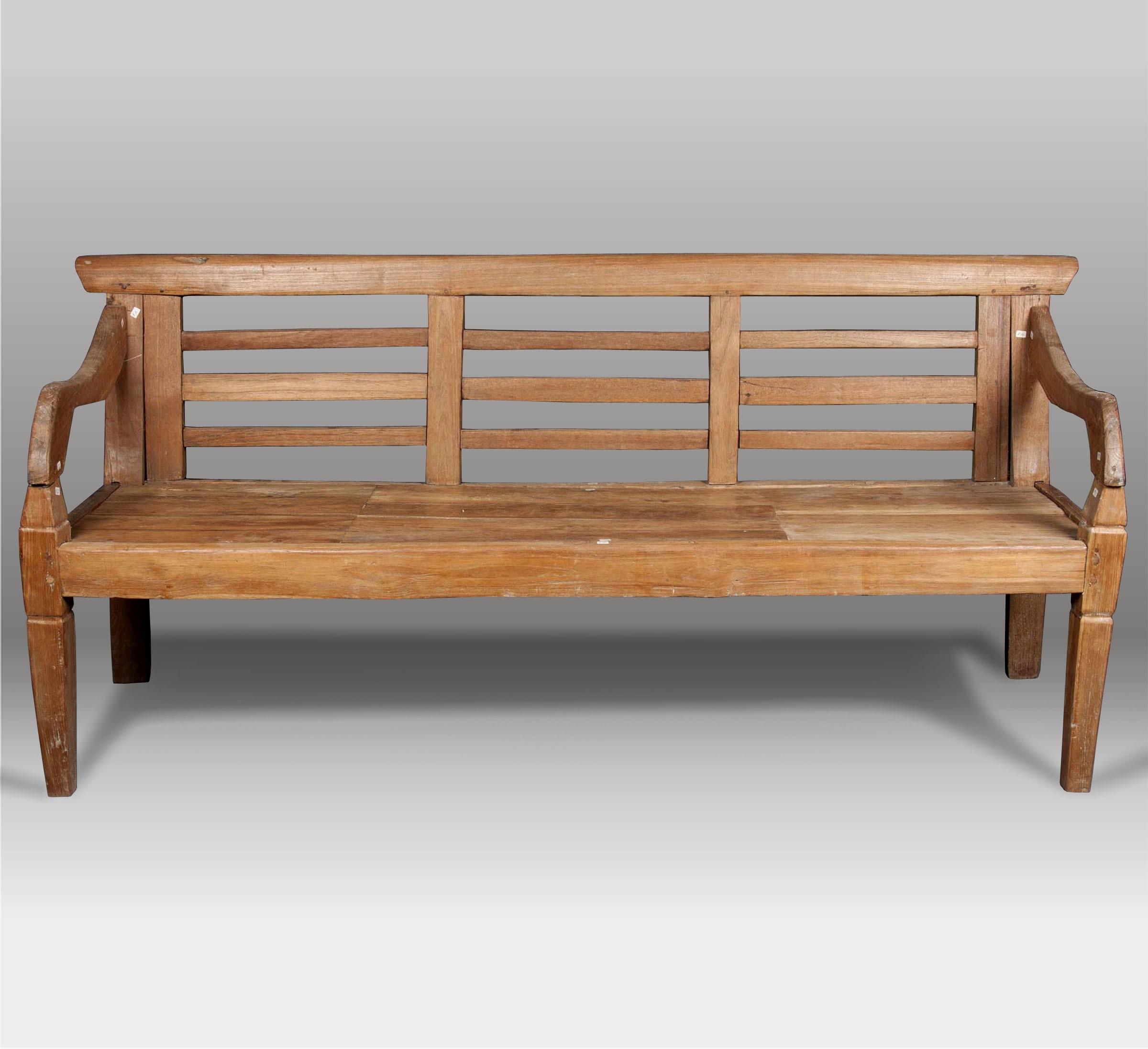 Banco y banco de madera batavia for Bancos zapateros de madera