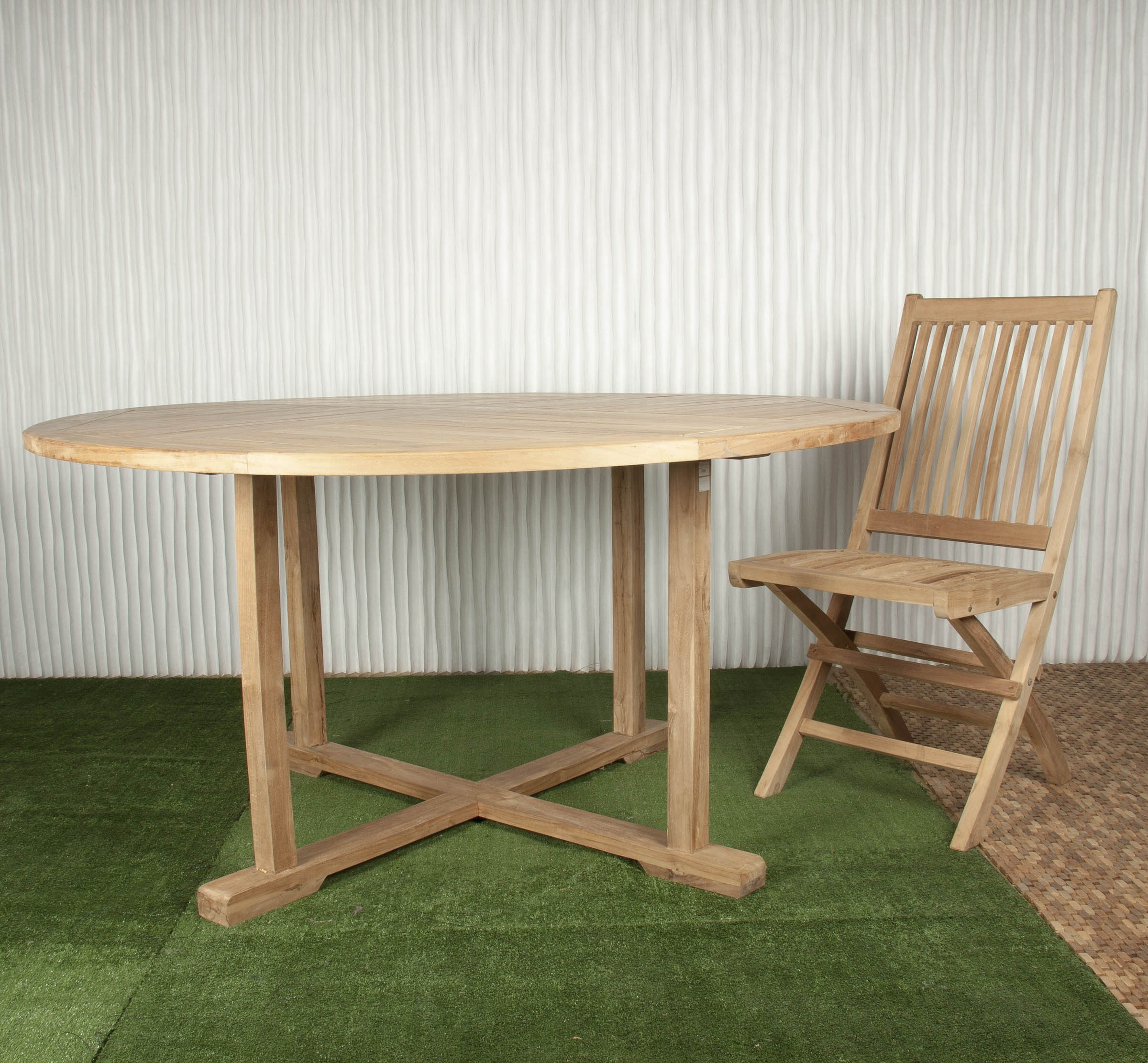 Mesa exterior y mesa de comedor batavia for Mesas de comedor para exterior