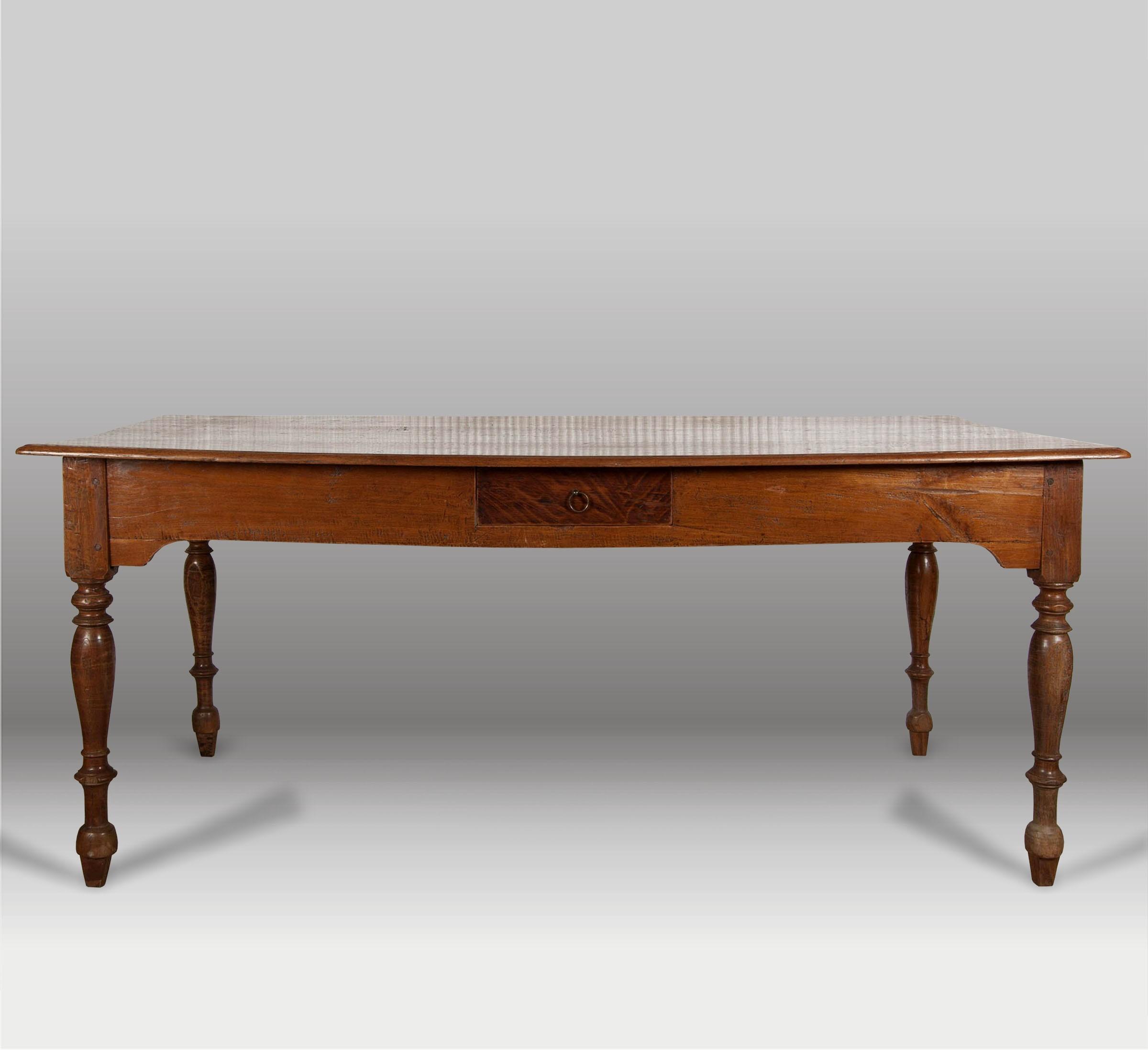 Mesa de comedor y mesa de trabajo batavia for Mesa madera antigua