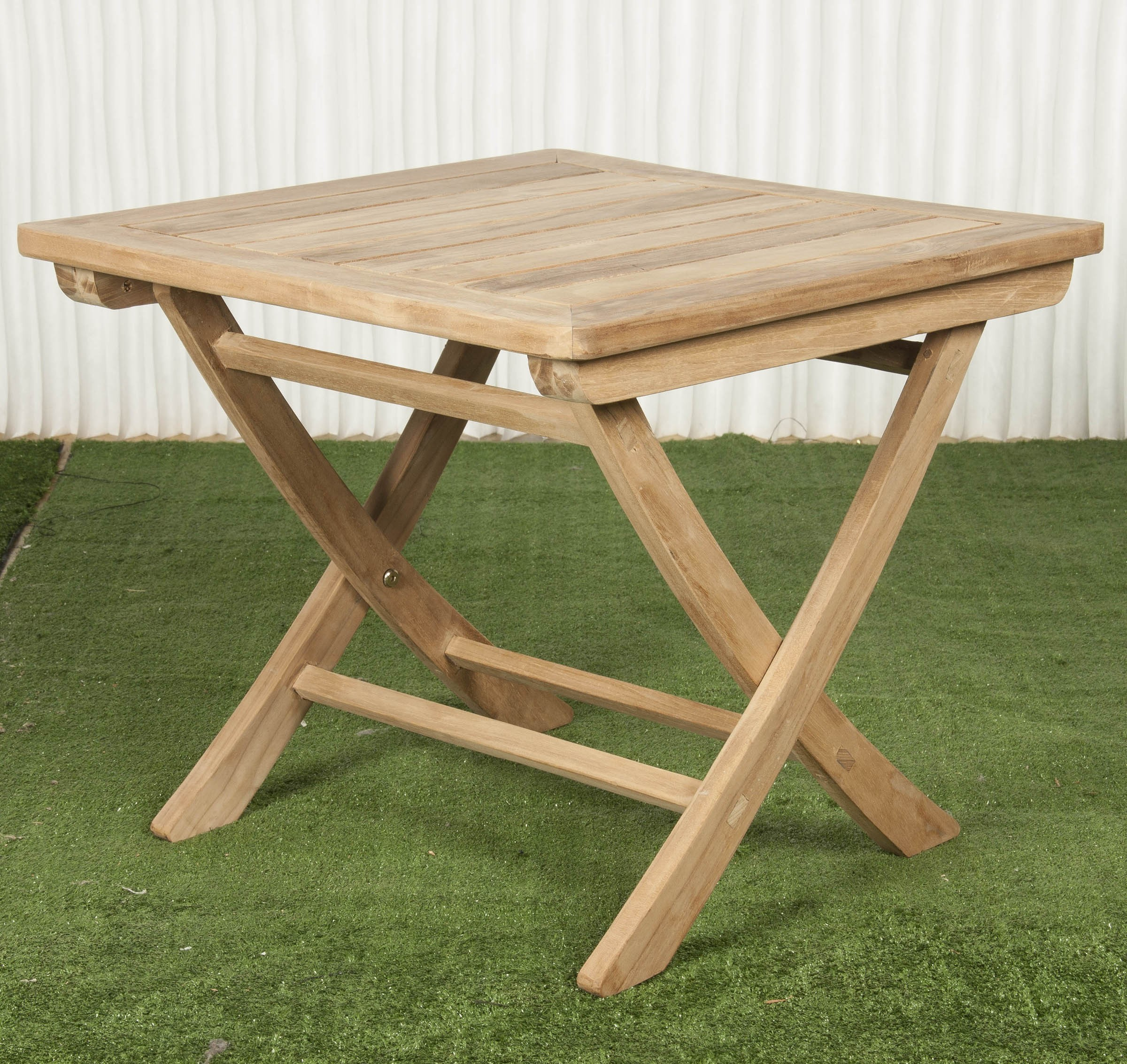 Mesa exterior y mesa plegable batavia for Mesas de comedor para exterior