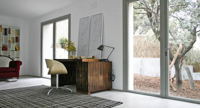 Mesa de escritorio escandinavo en proyecto BATAVIA