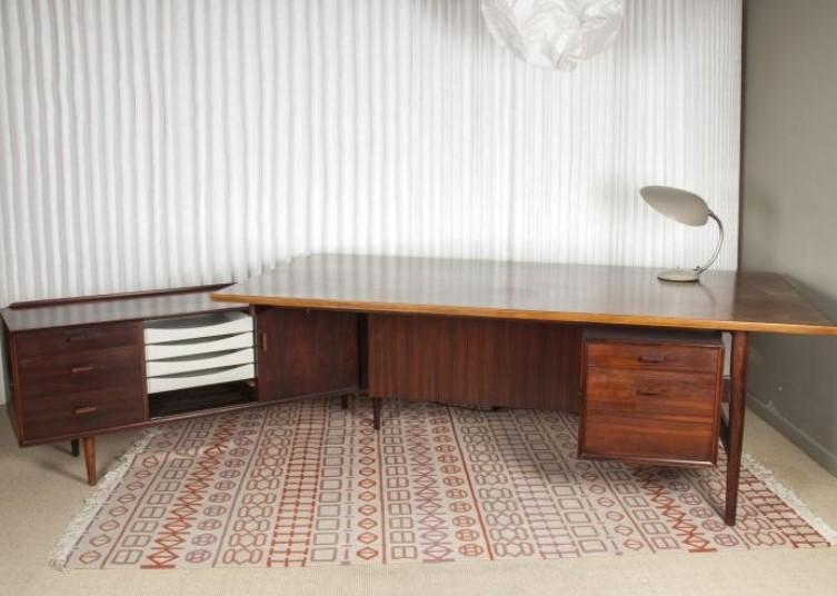 Mesa escritorio escandinavo de palisandro.