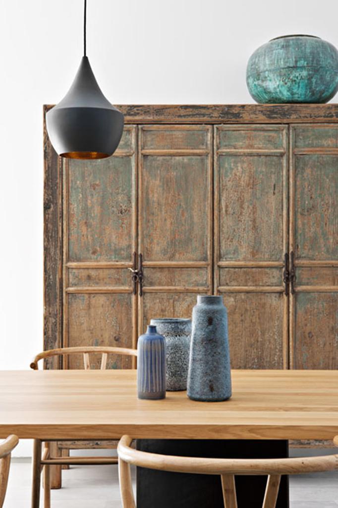 Detalle de mueble de madera restaurado por BATAVIA.