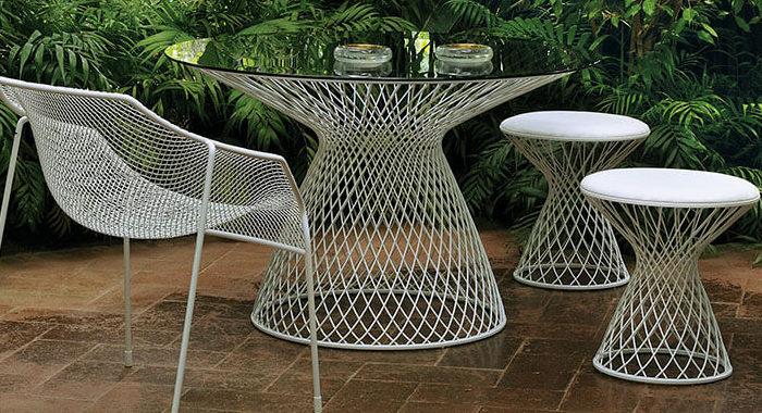mesa redonda de exterior heaven de acero y cristal templado