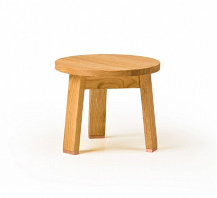 https://batavia.es/11576-thickbox_default/taburete-low-stool.jpg