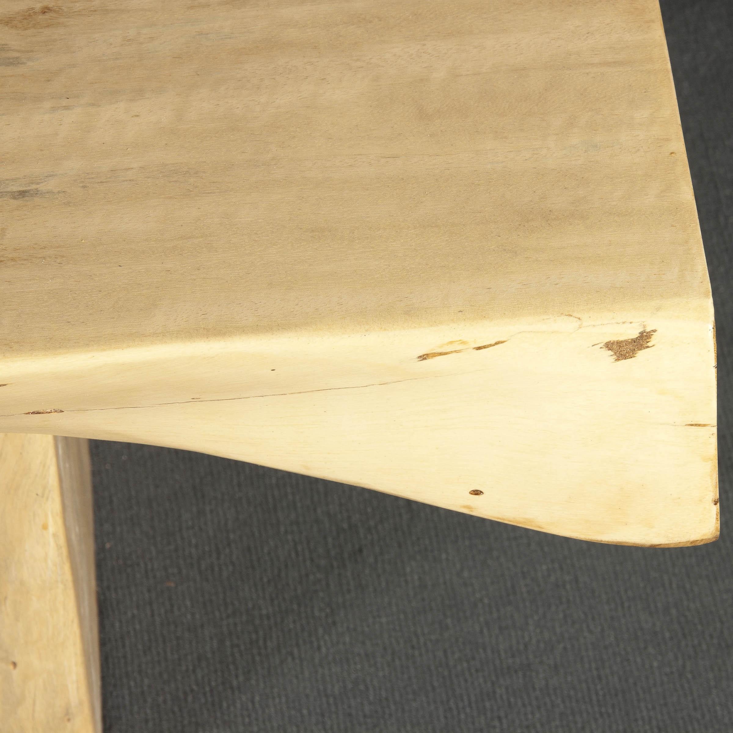Mesa de centro de tamarindo