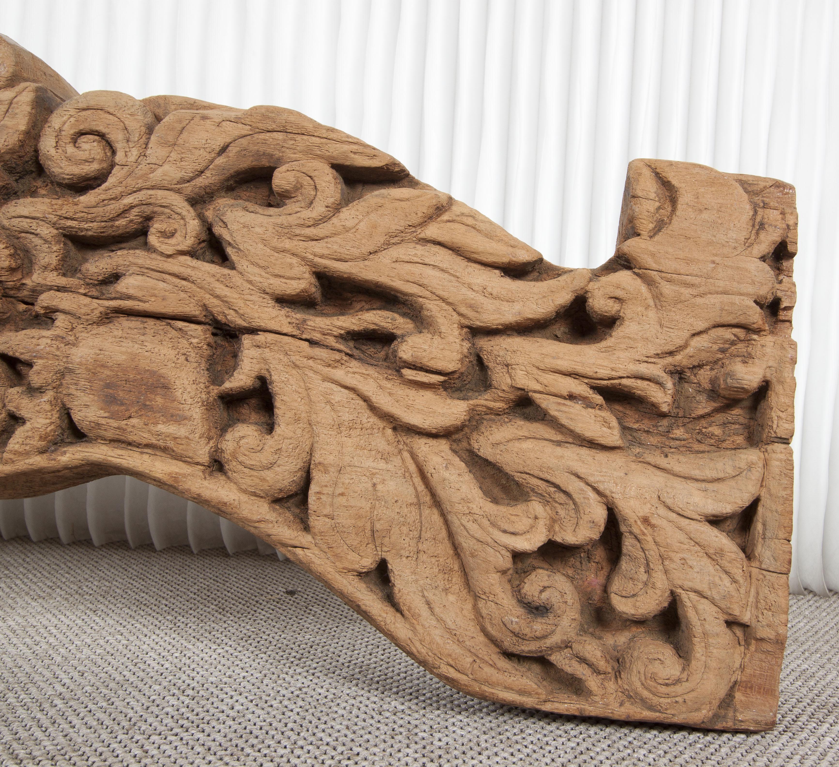 Talla antigua de madera de teca