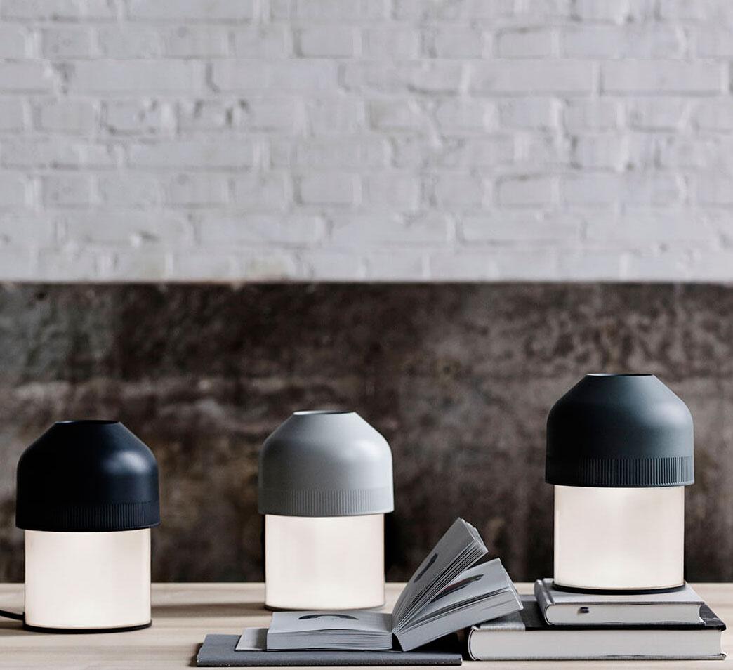 Lámpara de mesa Volume