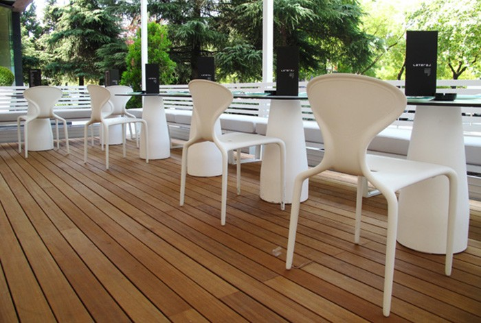 Muebles de BATAVIA en restaurante Lateral Castellana 42