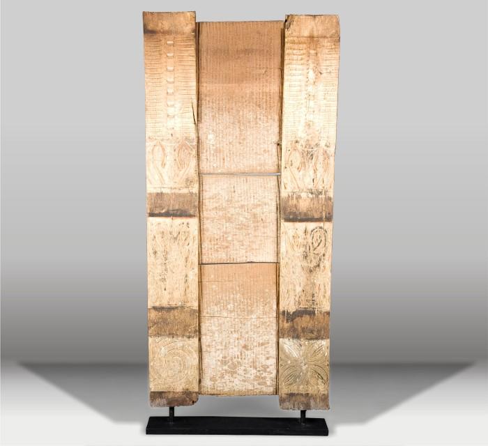 https://batavia.es/6052-thickbox_default/escultura-panel-antiguo.jpg