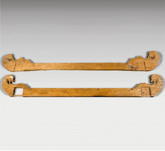 Soporte para textiles antiguo en madera de teca
