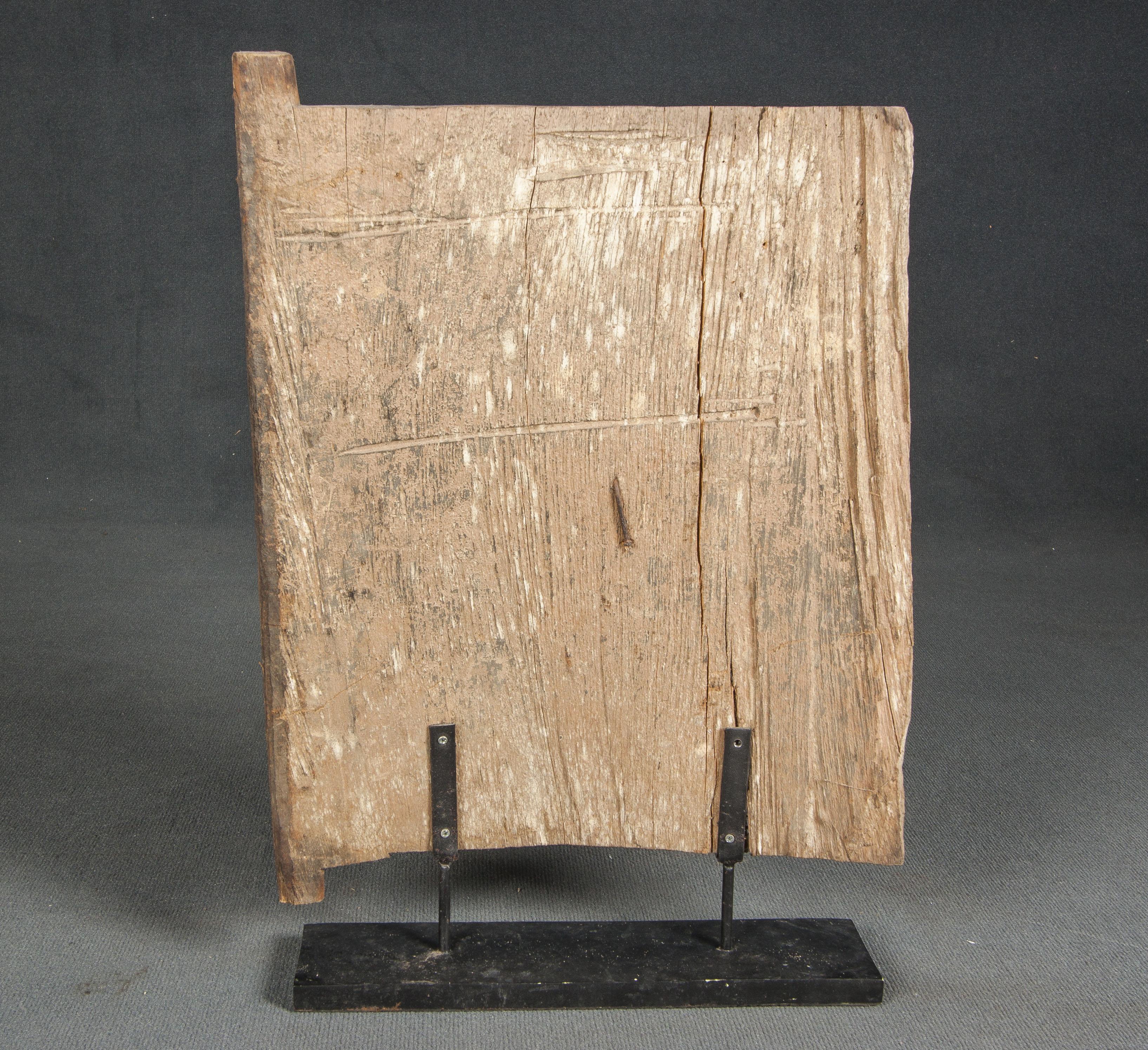 Panel de toraja con policromía