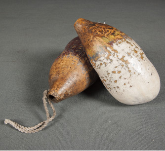 Cantimploras antiguas de calabaza