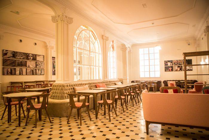Muebles de BATAVIA en restaurante Lateral Barcelona