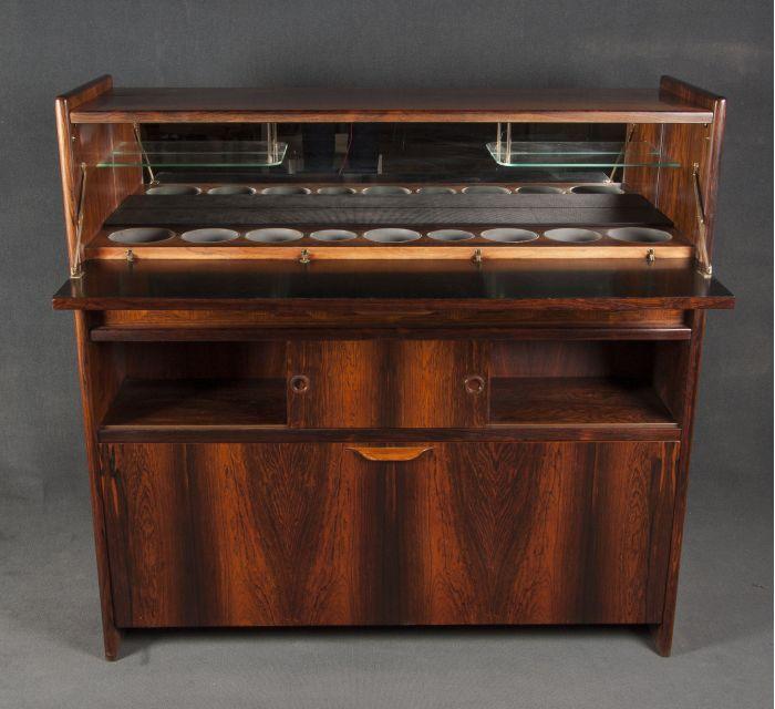 mueble bar original danes disponible en batavia