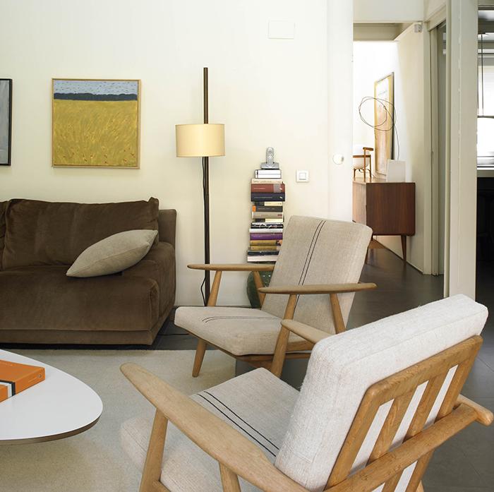 butacas y aparador, muebles escandinavos en proyecto batavia