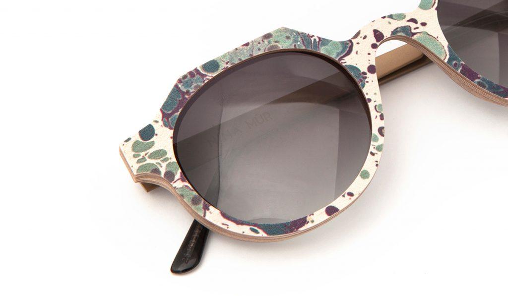 Detalle gafas de Nina Mur