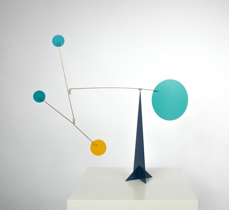 Escultura mobil L´Erudite disponible en BATAVIA