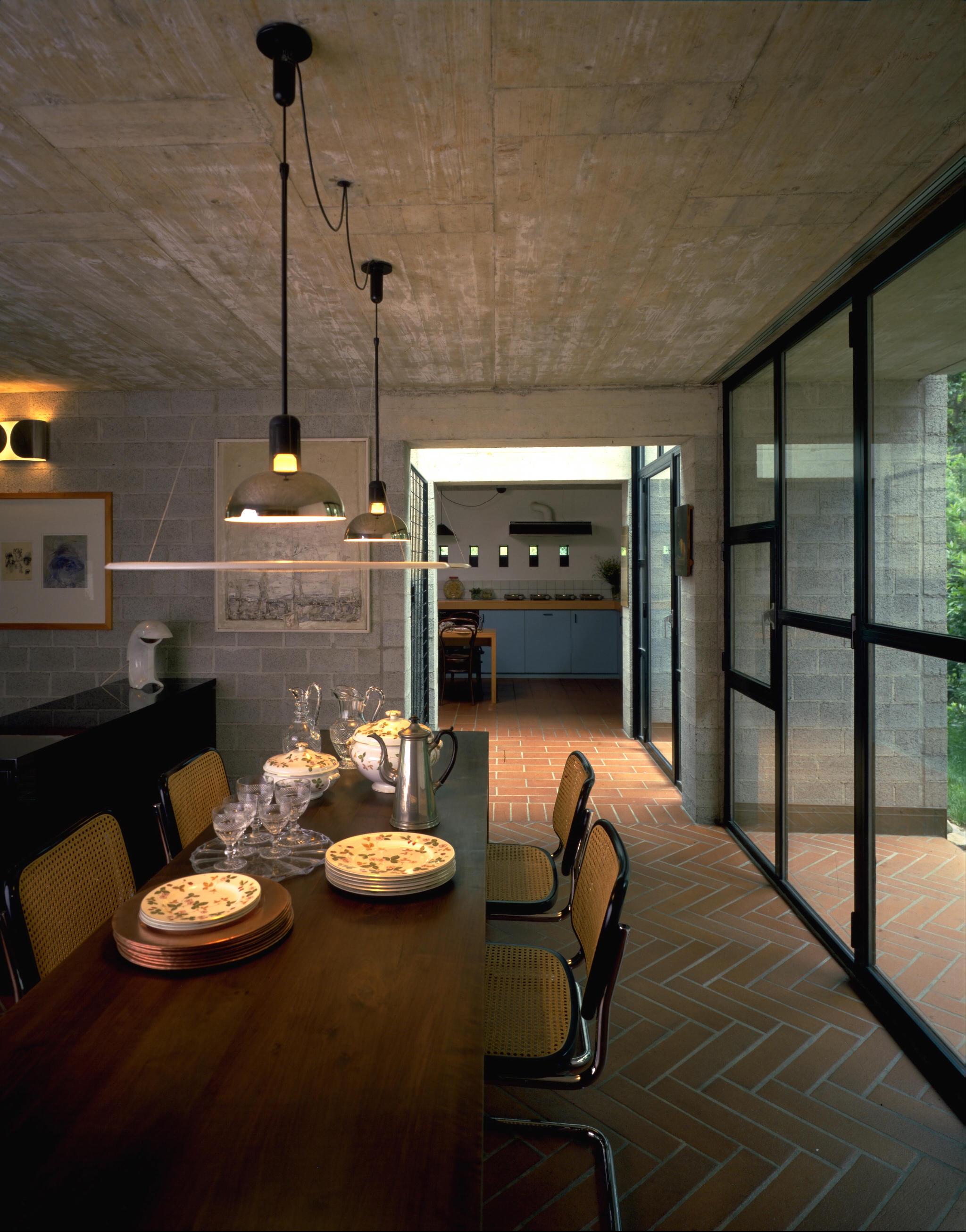 Lámpara de techo Frisbi del prestigioso Achille Castiglioni para Flos disponible en batavia