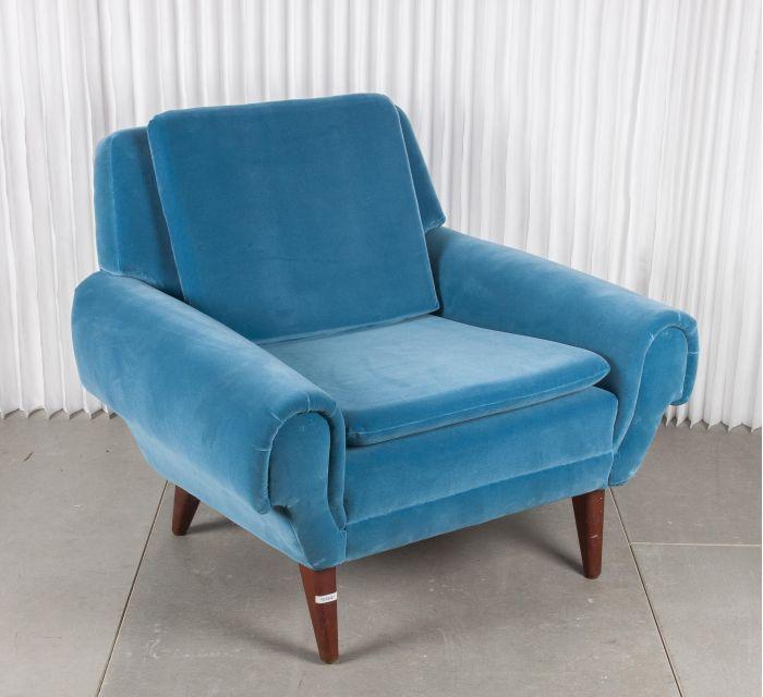 butaca Blue Velvet que es una pieza original danesa estilo vintage