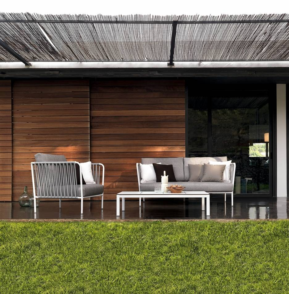 Sofa nido de Expormin para exterior disponible en batavia