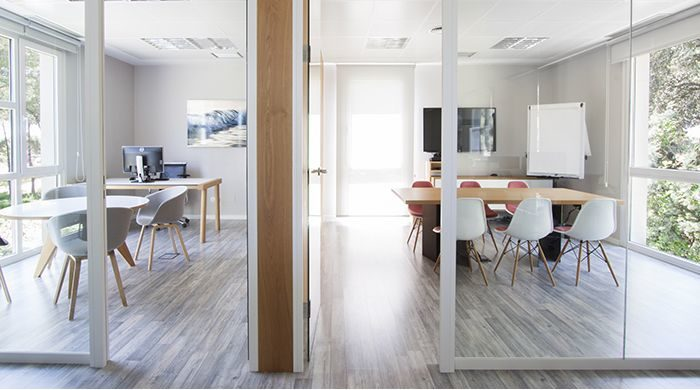 Mobiliario contract en el proyecto de la oficina de Pozuelo
