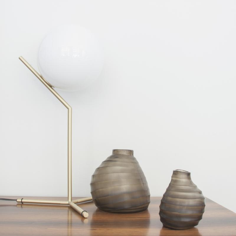 Colección Belly de jarrones de diseño en cristal templado