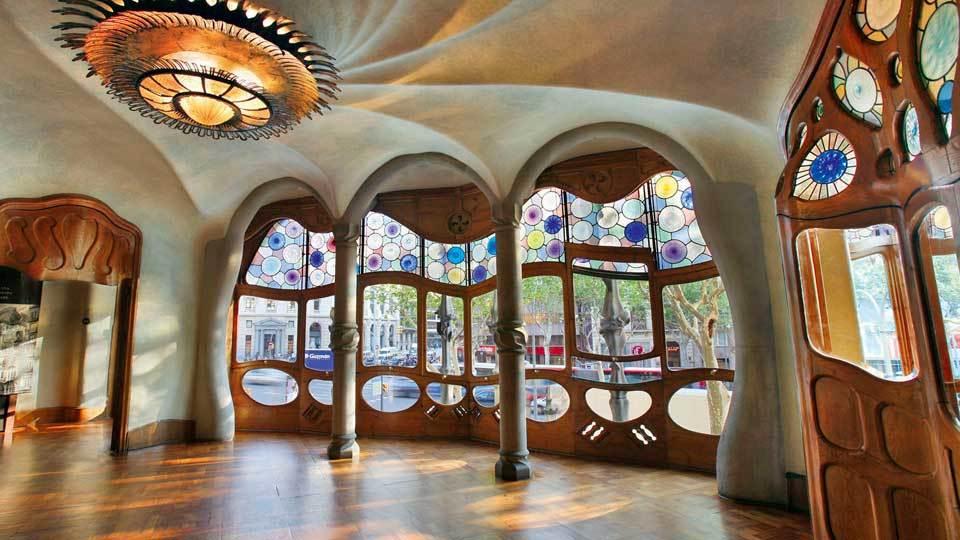arquitectura art nouveau gaudi