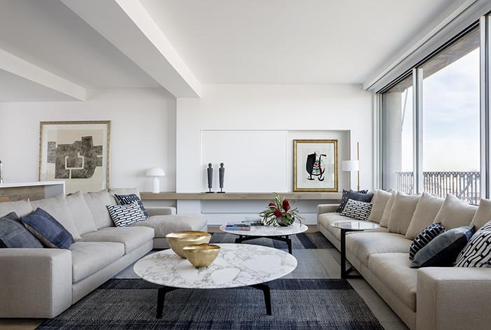 cojines y alfombras como accesorio de decoración en proyecto de decoracion