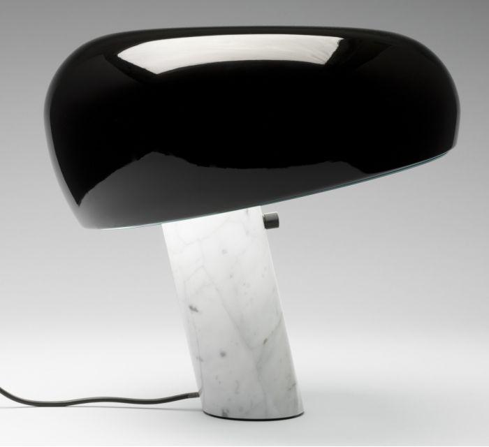 lampara de mesa snoopy de flos
