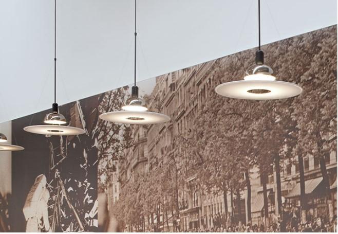 lampara de techo frisbi creada por los castiglioni para flos